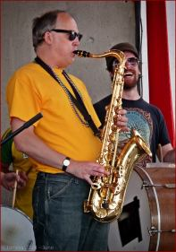 Street-Brass-Saxophon-Player